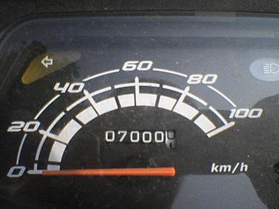 7000kmを示すメーター